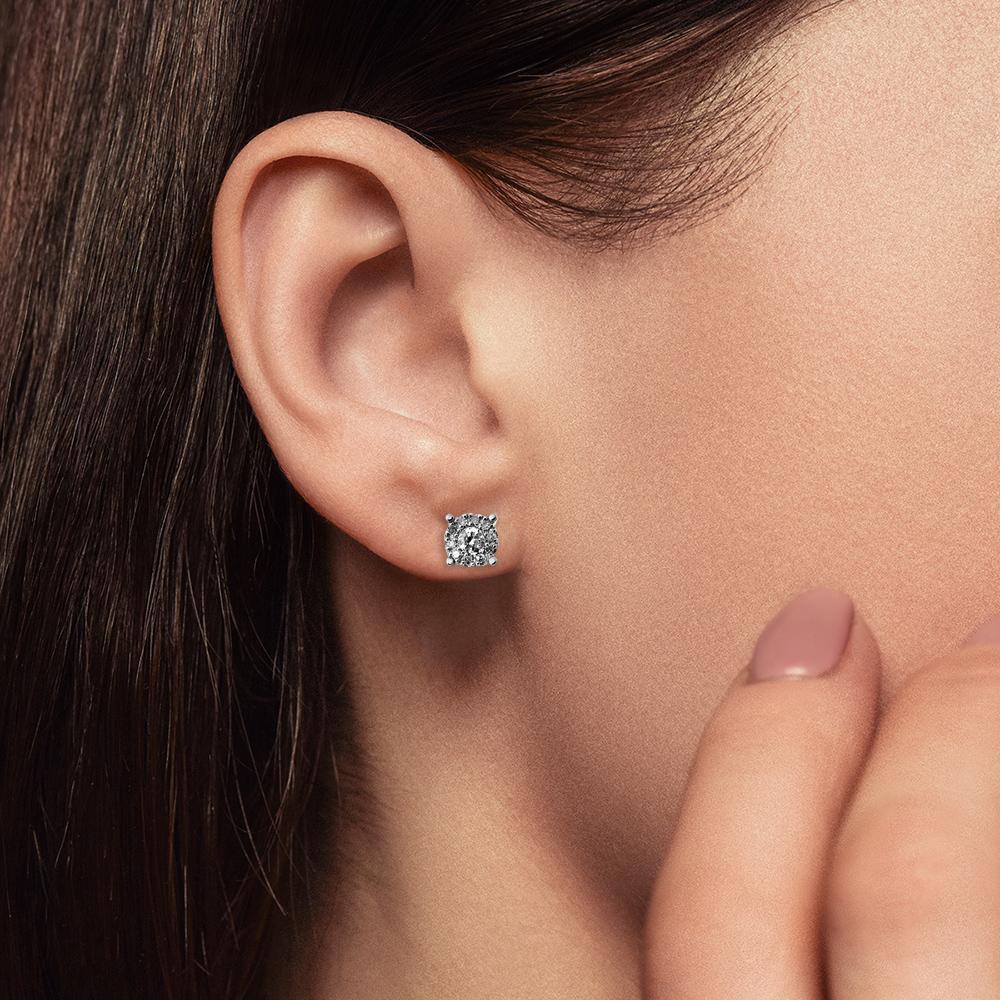 Серьги-пусеты с бриллиантом из золота