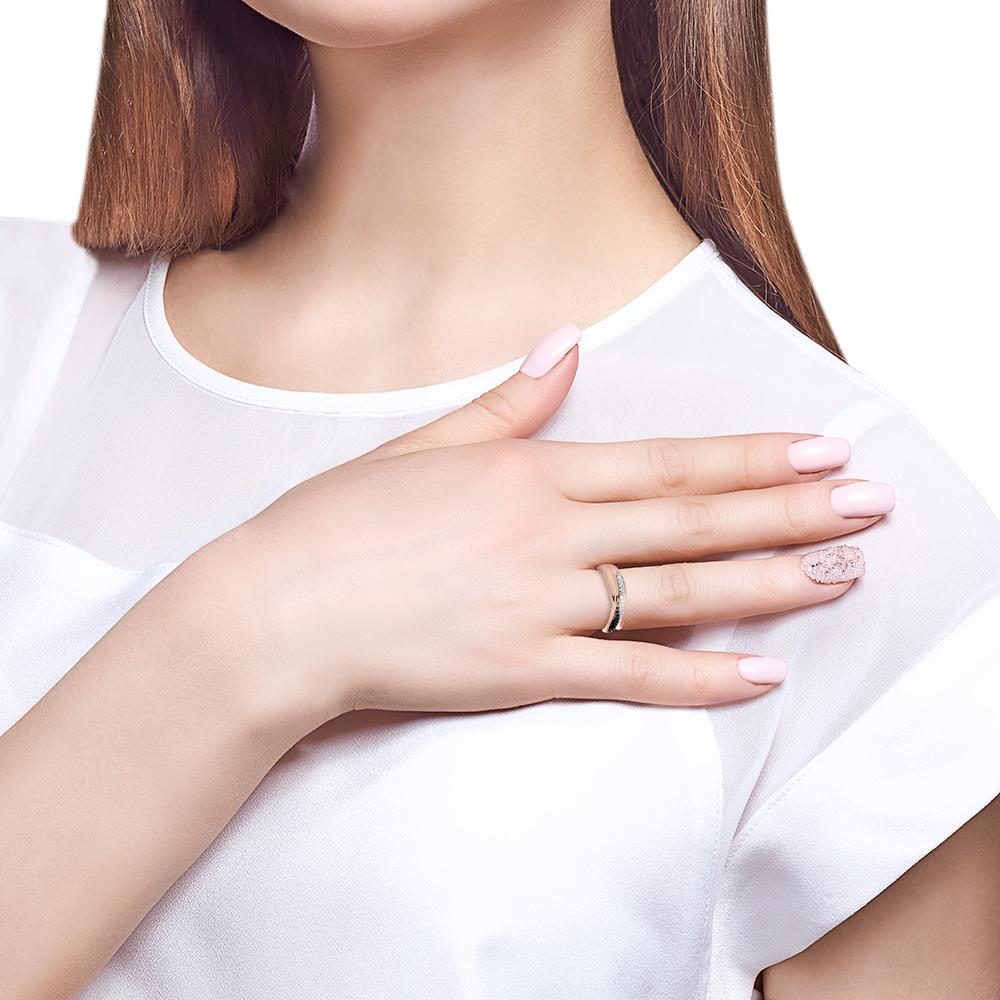 Кольцо с бриллиантами и шпинелью из золота